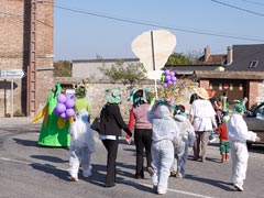 C'est par le carnaval des mille et un légumes que nous sommes accueillis...