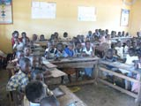 Envie d'agir à Val-de-Reuil pour créer une bibliothèque en Côte d'Ivoire. Allez les filles !