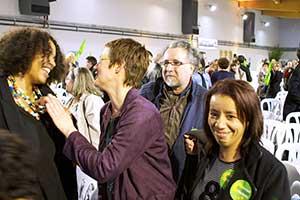 Avec Rebecca Armstrong, Jean-Pierre Lancry et Fatima El Khili, on voit que le militantisme, le sens des responsabilités des écologistes, et leur volonté d'ouverture se marient avec la joie. Merci au élus et aux militants socialistes pour la qualité de leur accueil et leur esprit d'ouverture. Votez le 6 mai !